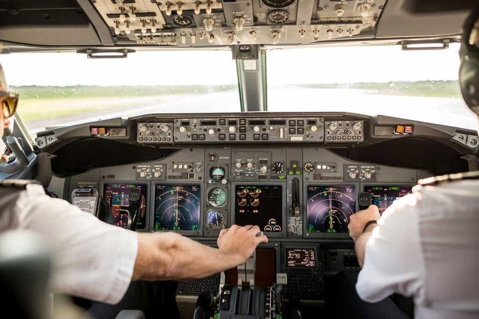 Cockpit instruments de navigation - Certificat APL avion 033 préparation vol formation à distance par Visio conférence zoom atplschool pilote avion