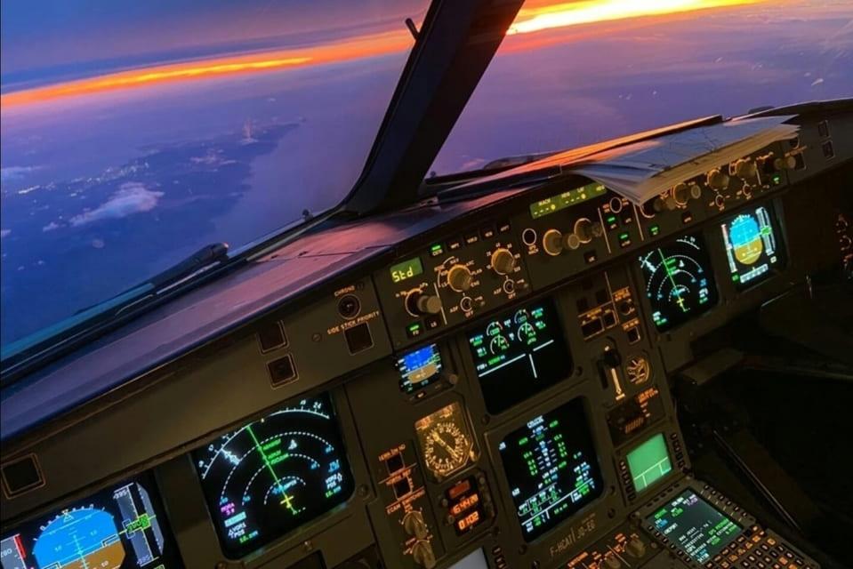 certificats pilote de ligne ATPL théorique avion 090 communications formation théorique pilote de ligne atplschool