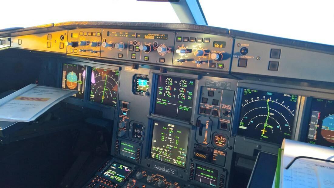 A330-200 Flight Deck
