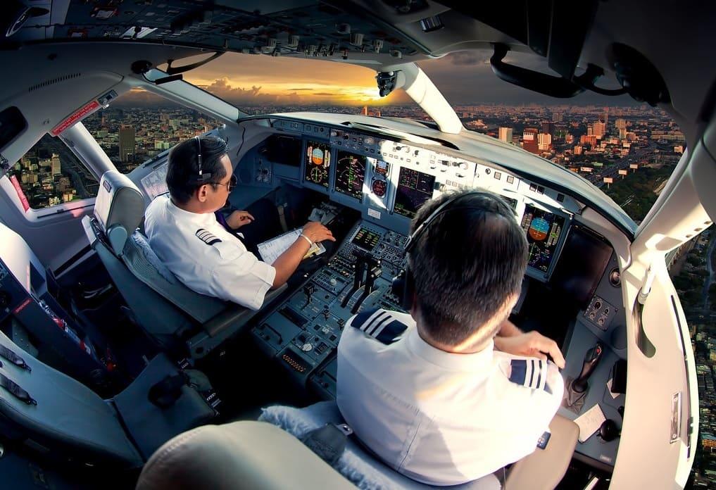 Organisme formation 100 KSA - cockpit avion de ligne pilotage dessus nuages module ATPL théorique