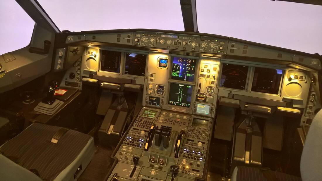 A330 Flight Deck