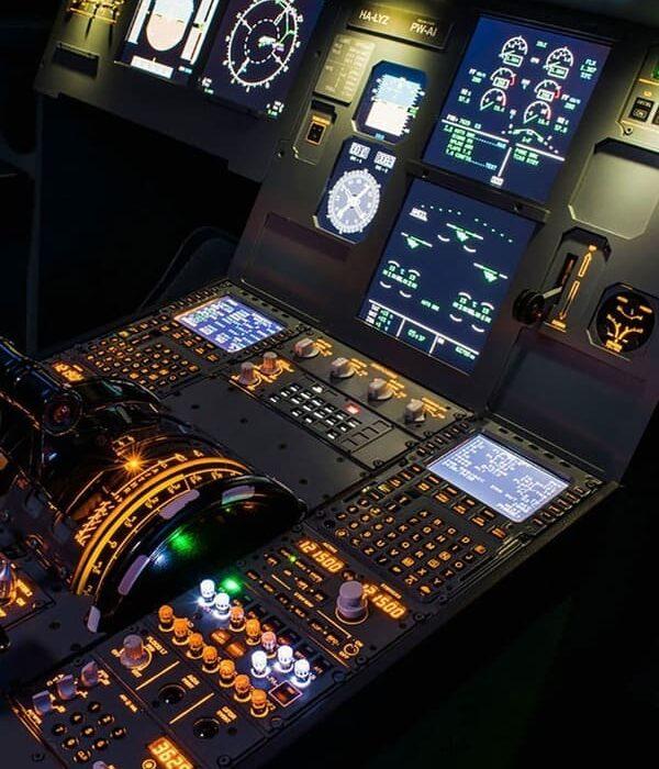 Organisme formation 100 KSA - Tableau de bord dans cockpit avion éclairage des instruments pour meilleure visibilité module ATPL théorique principe navigation